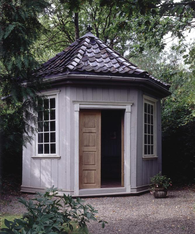 Wergelands lysthus i den angelske hagen på Norsk Folkemuseum, 1994.