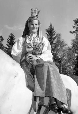 Glomdalsbruden. Utflytterdagen Glomdalsmuseet 1958. (Foto/Photo)