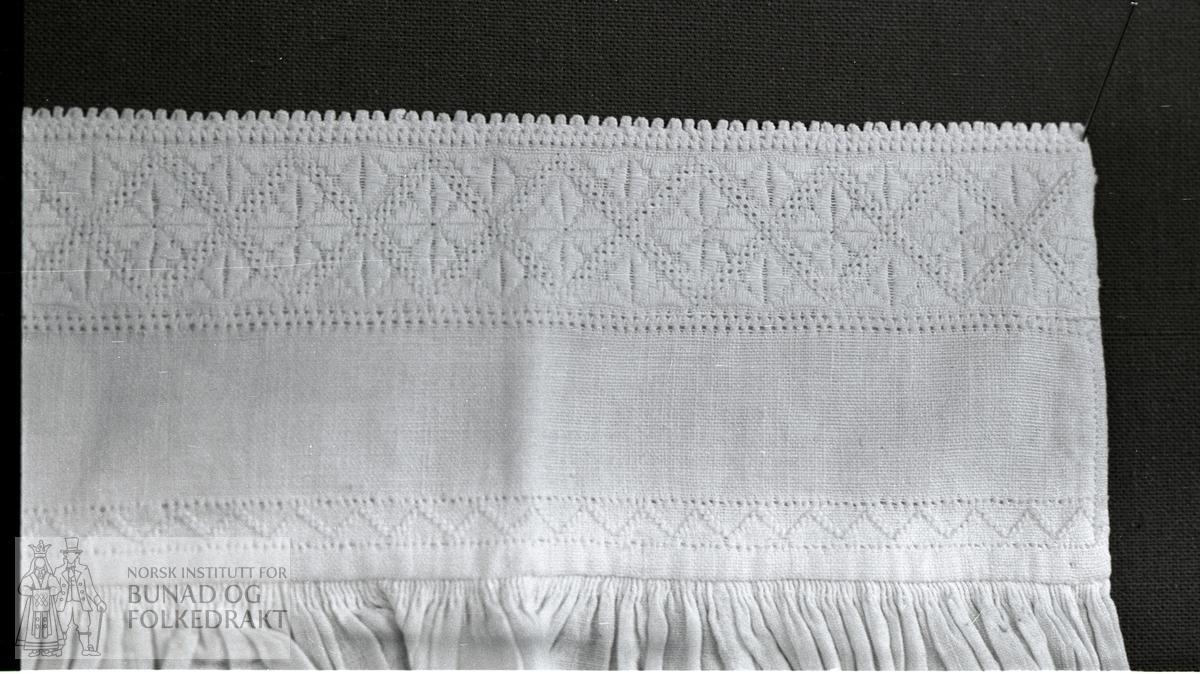 Nordhordlandsmessa 1974 nr. 95.  -  bomullslerret.  Frå 1890-åra.