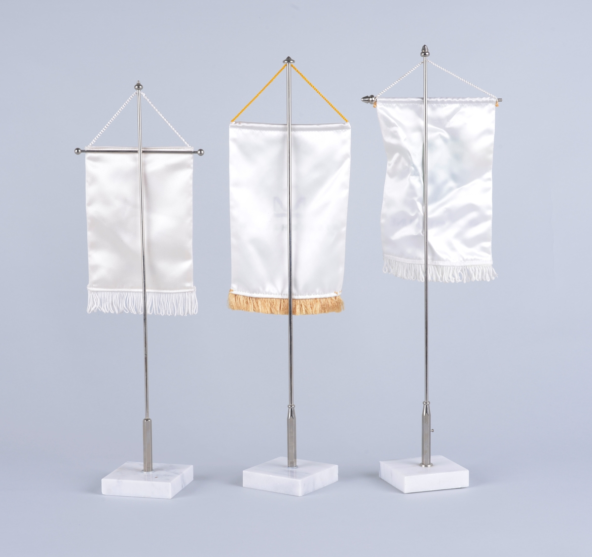 Samling bordflagg Med marmorsokkel: 14 Metallsokkel: 1