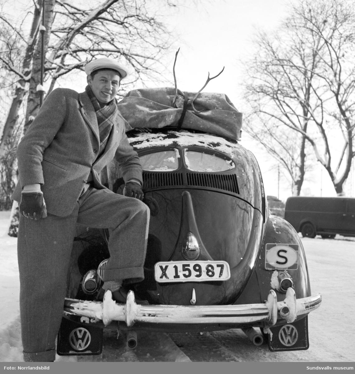 Svensk sångare och bandyspelare född i Arbrå, Hälsingland.