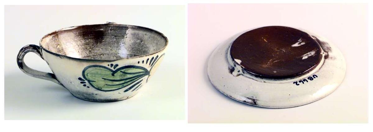 Kopp og skål i keramikk. Glasuren er gråhvit og ujevnt dekkende. Koppen har håndmalt dekor.