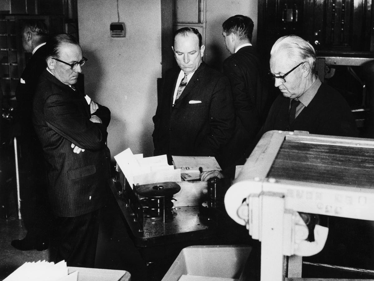 postbehandling, mekanisering, 5 mann