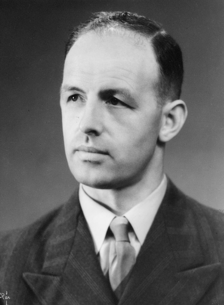 portrett, postmester, Konrad Ingebrigtsen