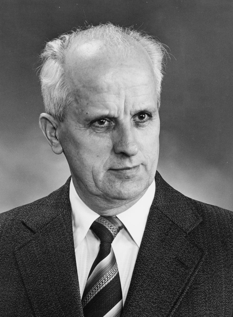 postsjef, Endal Hallvard, portrett