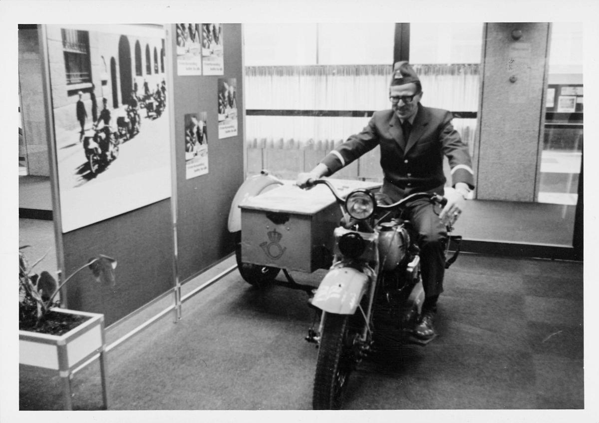 markedsseksjonen, Oslo postgård 50 år, utstilling, motorsykkel, Magne Karlsen