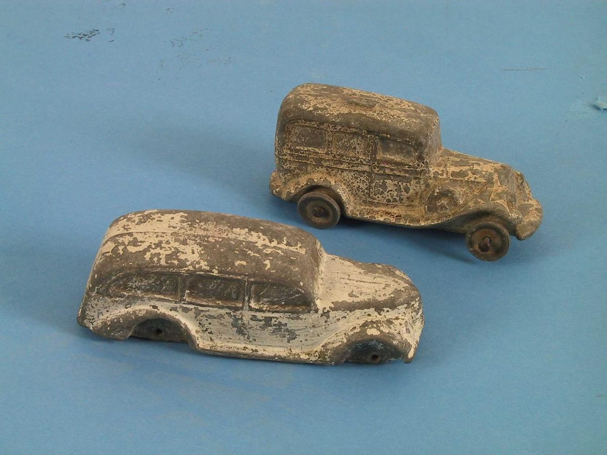Form: Førkrigs modell med firkantet karosseri, 3 vinduer, et reservehjul