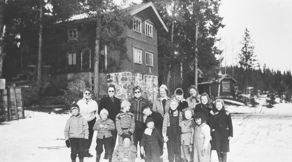 Ytre Rælingen Husmorlag på tur til Huldreheim.