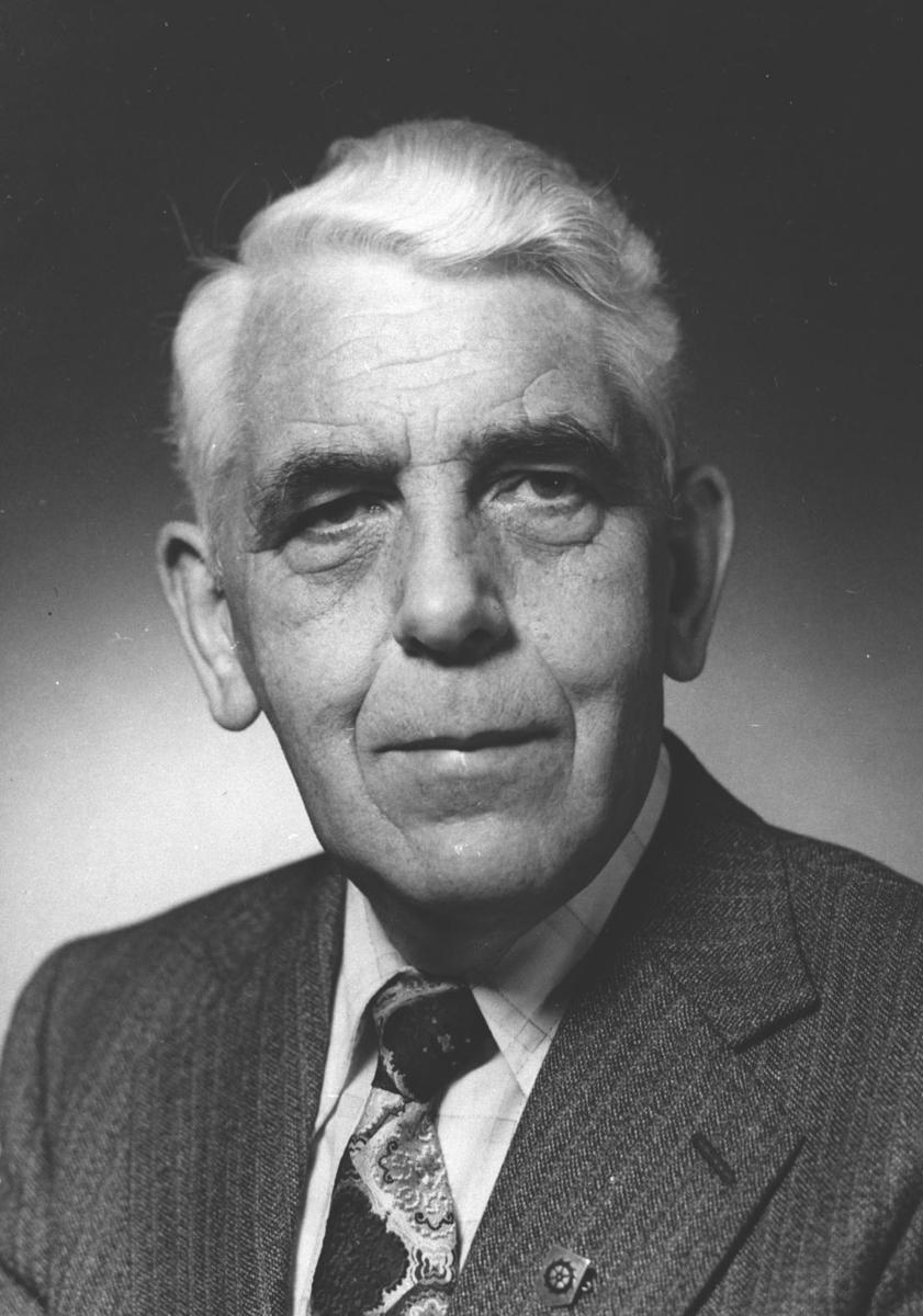 Portrett av Isak H.Wiik, ordfører i Lørenskog siden 1975.