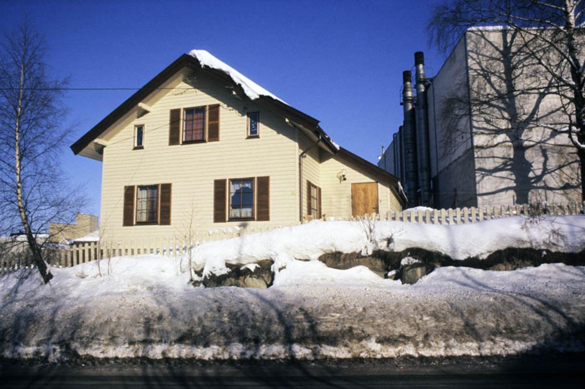 Strømmen Staal under ombygging til Strømmen Storsenter, vinter eksteriør (mot Stasjonsv.)