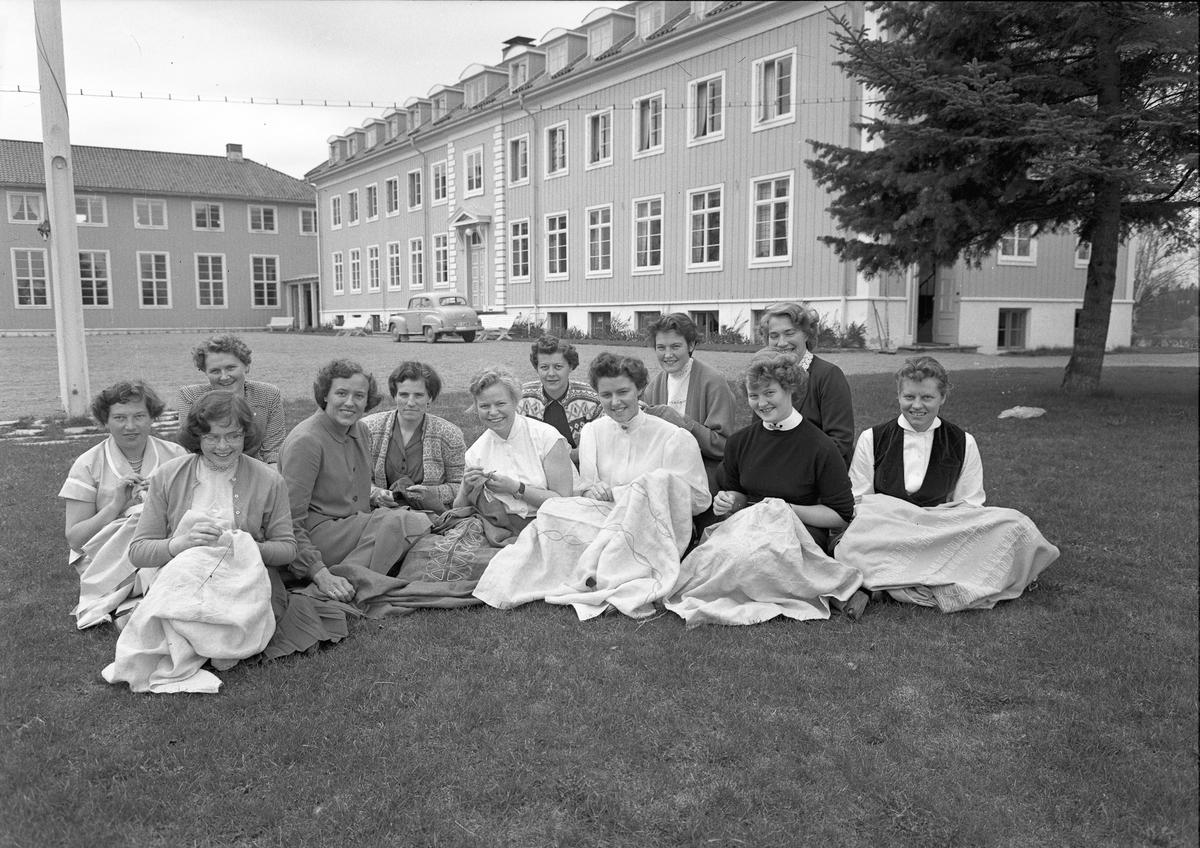 Romerike ungdomsskole / Akershus Fylkes Husmorskolekurs, Sørumsand.