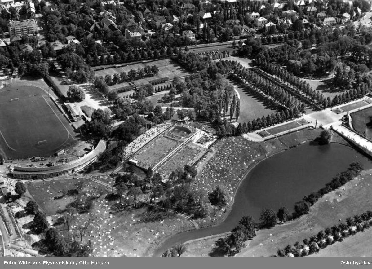 Frognerparken, Frognerbadet, Frogner stadion (Flyfoto)