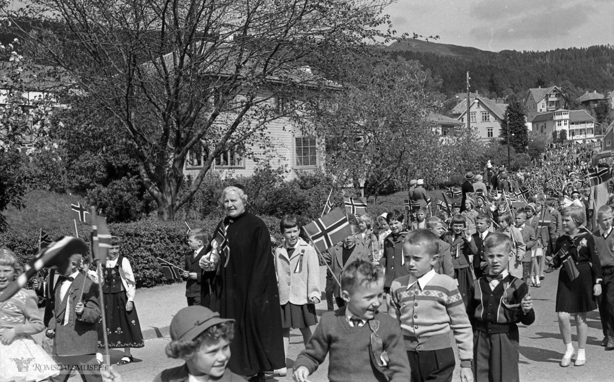 """Filmrull merket: """"17.mai.1959..Høyer Finn""""."""
