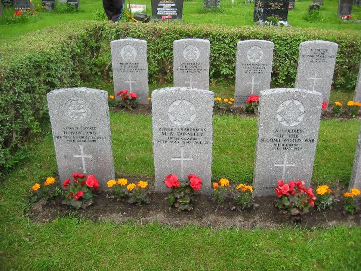3 gravsteiner med tekst.