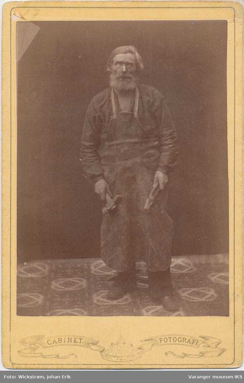 Portrett, Iver Gulstad