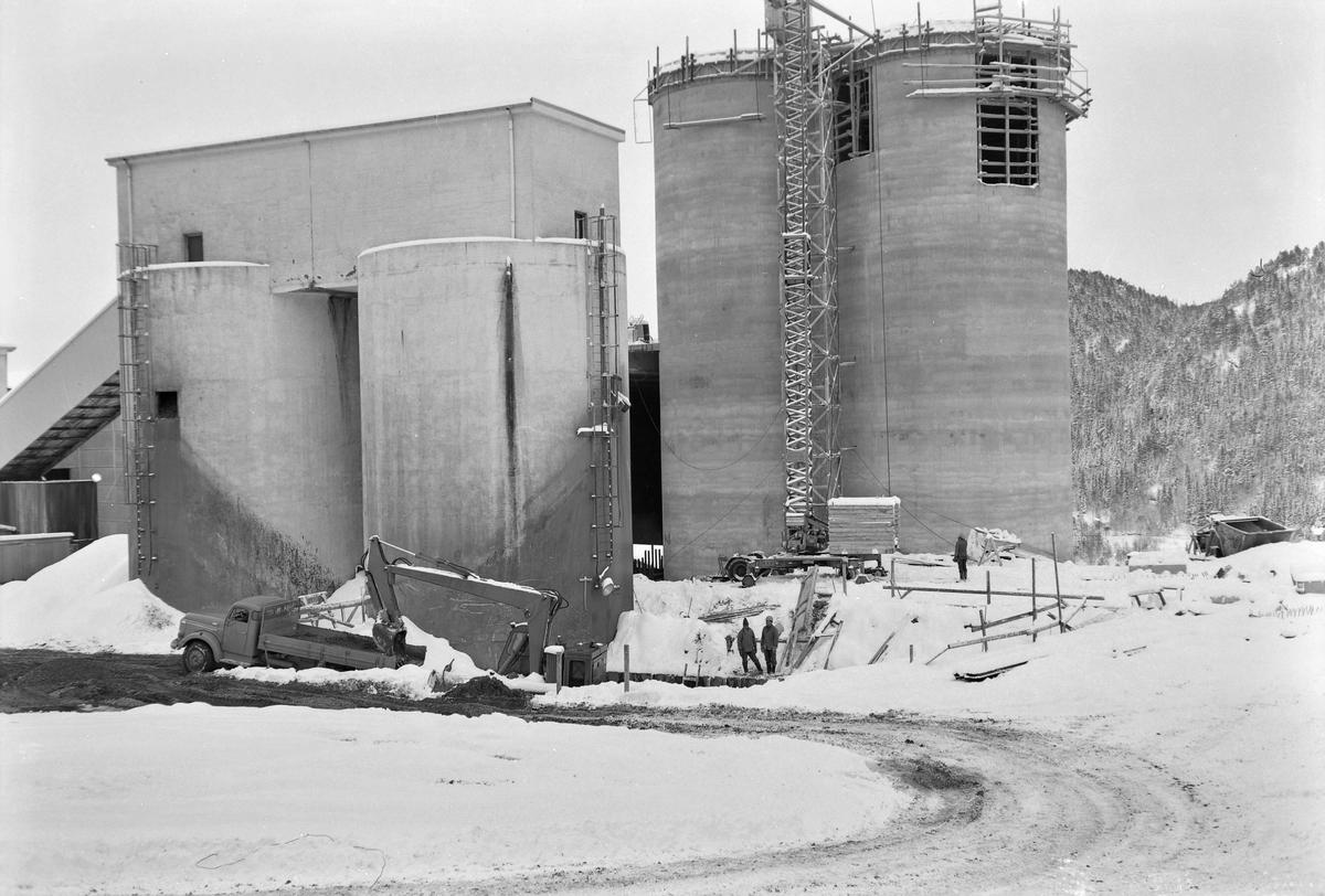 Flotasjonsanlegg under oppførelse ved Løkken Verk.