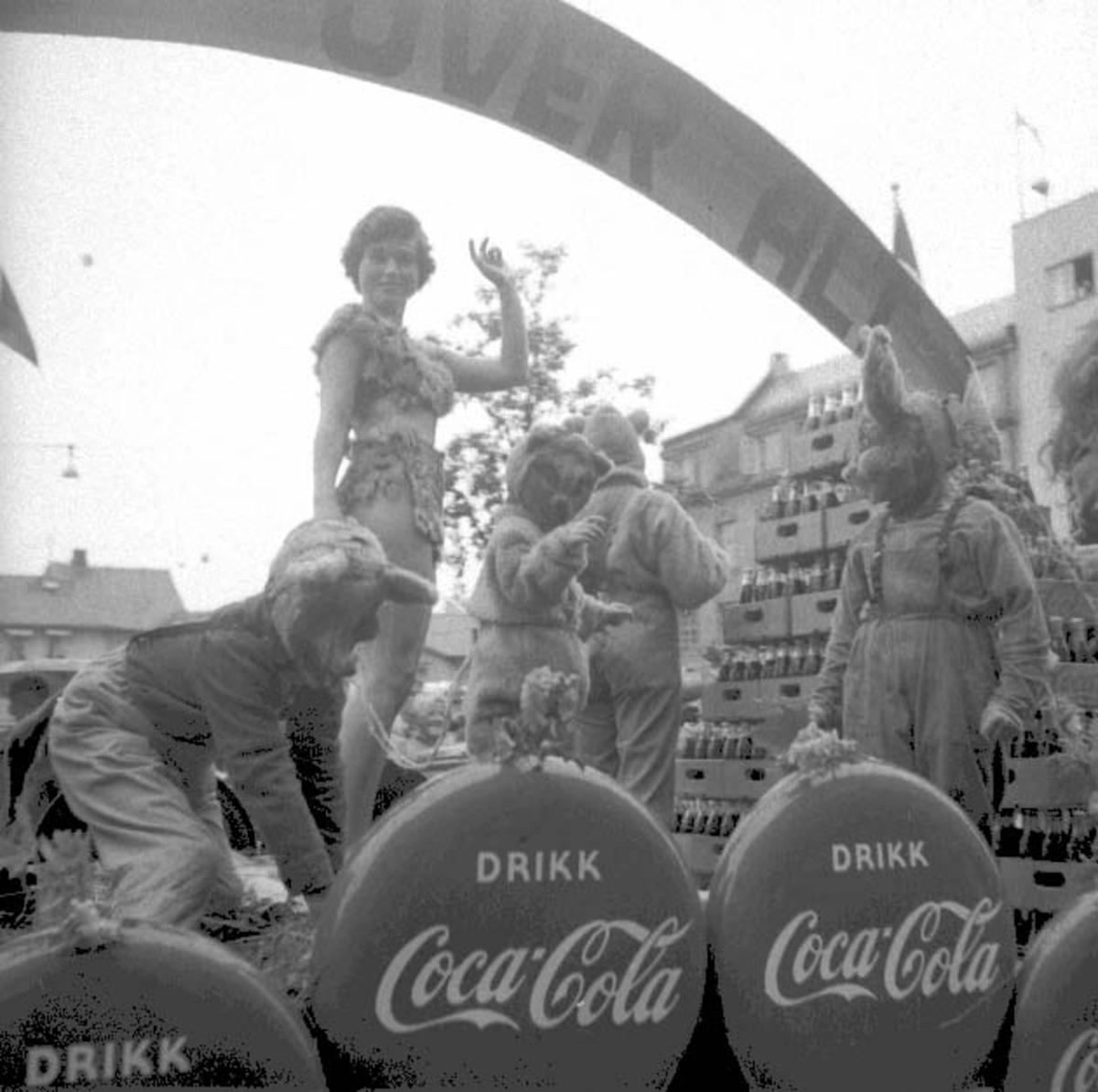 Hamardagen 1956, opptog, Lillehammer bryggeri, reklame Coca Cola. Ble kåret til opptogets beste innslag.