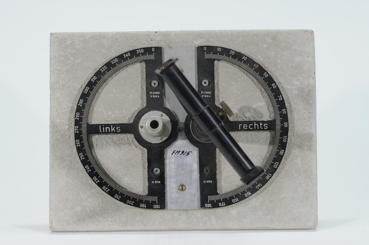 Pejlskiva monterad på en träplatta. FL 23903. Fpl S 12