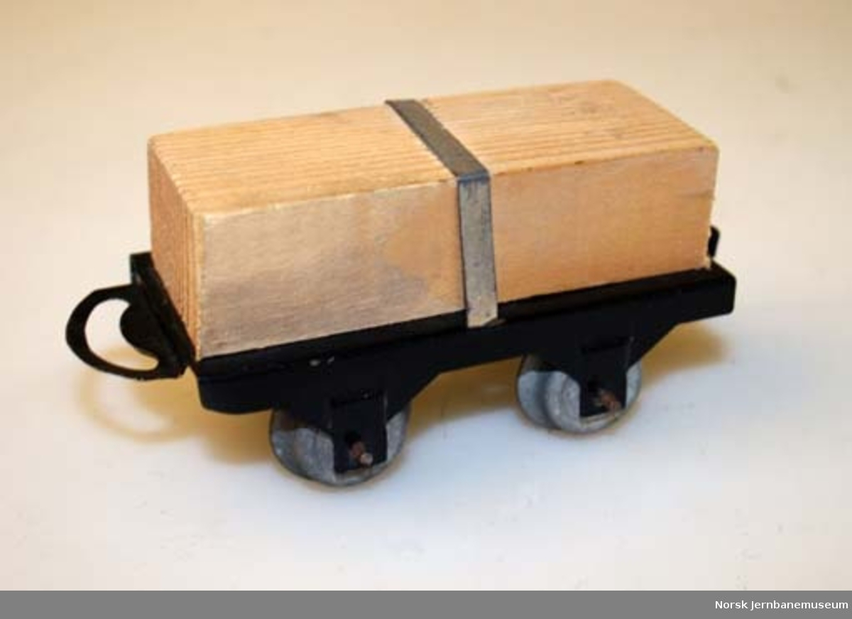 Leketog : godsvogn med trelast