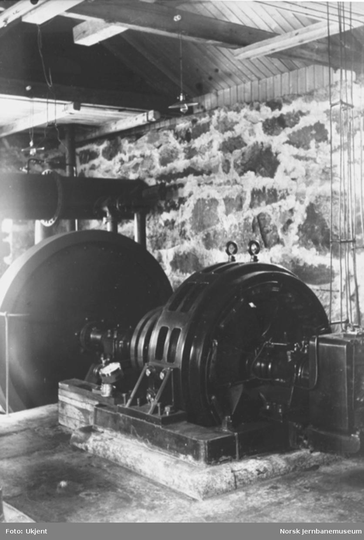 Bergensbanens anlegg; interiørbilde fra kraftstasjonen i Kjosfossen