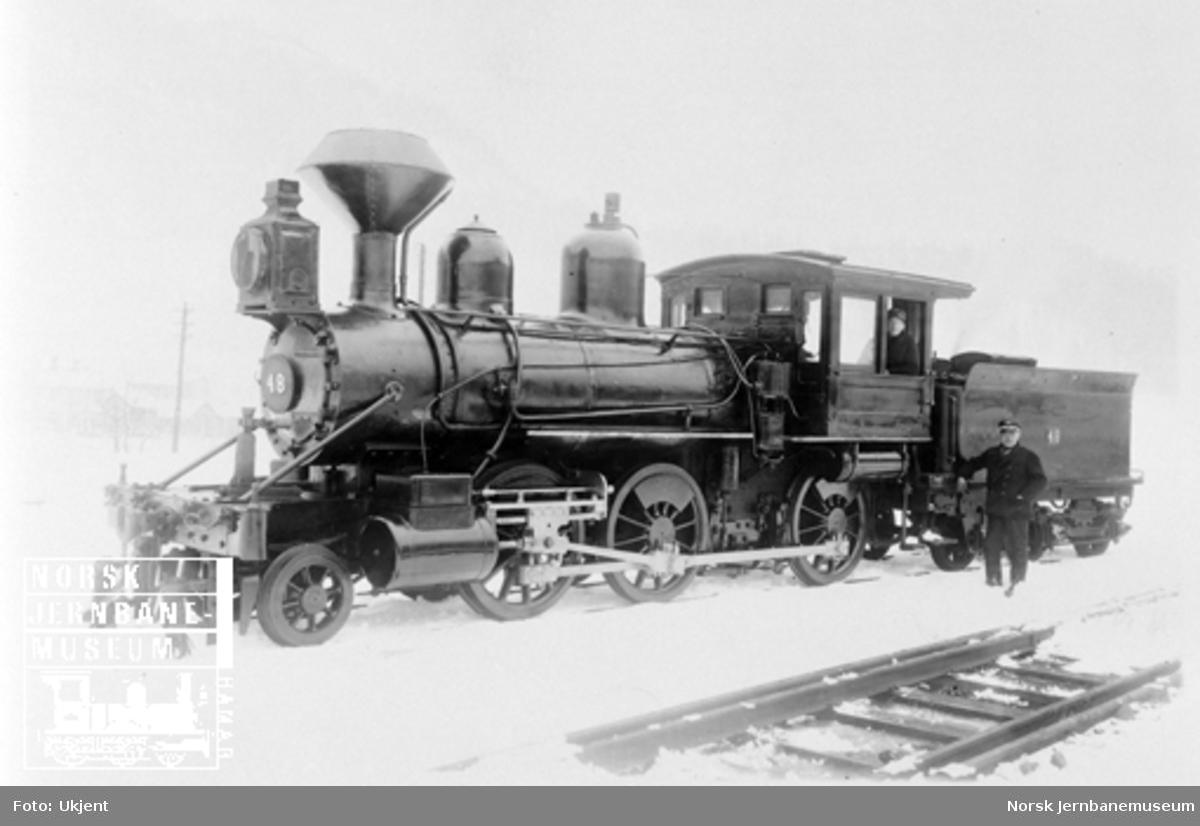 Damplokomotiv type XX nr. 48 på Støren ca. 1925