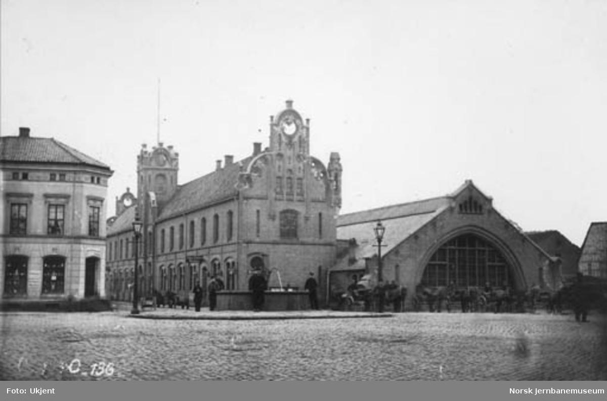 Østbanestasjonen og jernbanetorget
