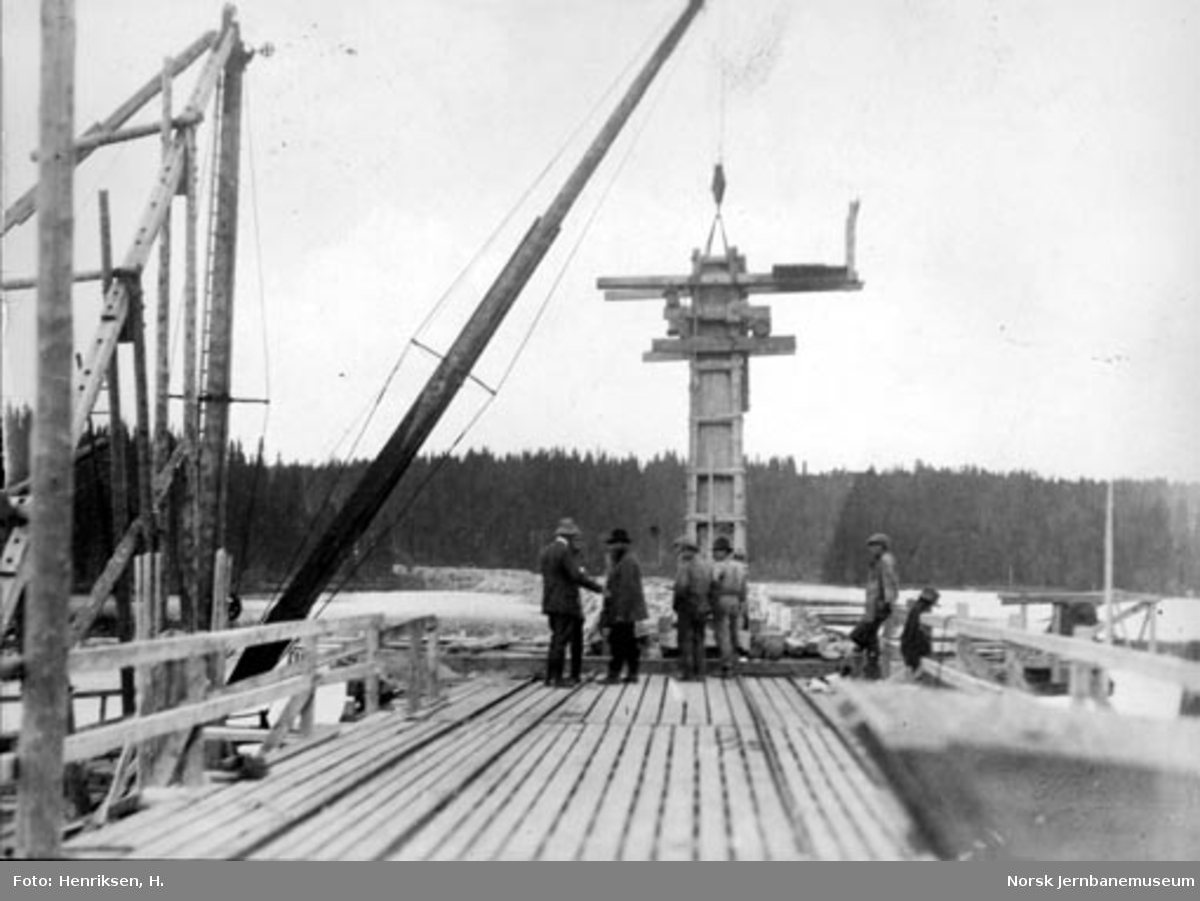 Bru over Snåsavatnet : fundamenteringsarbeider