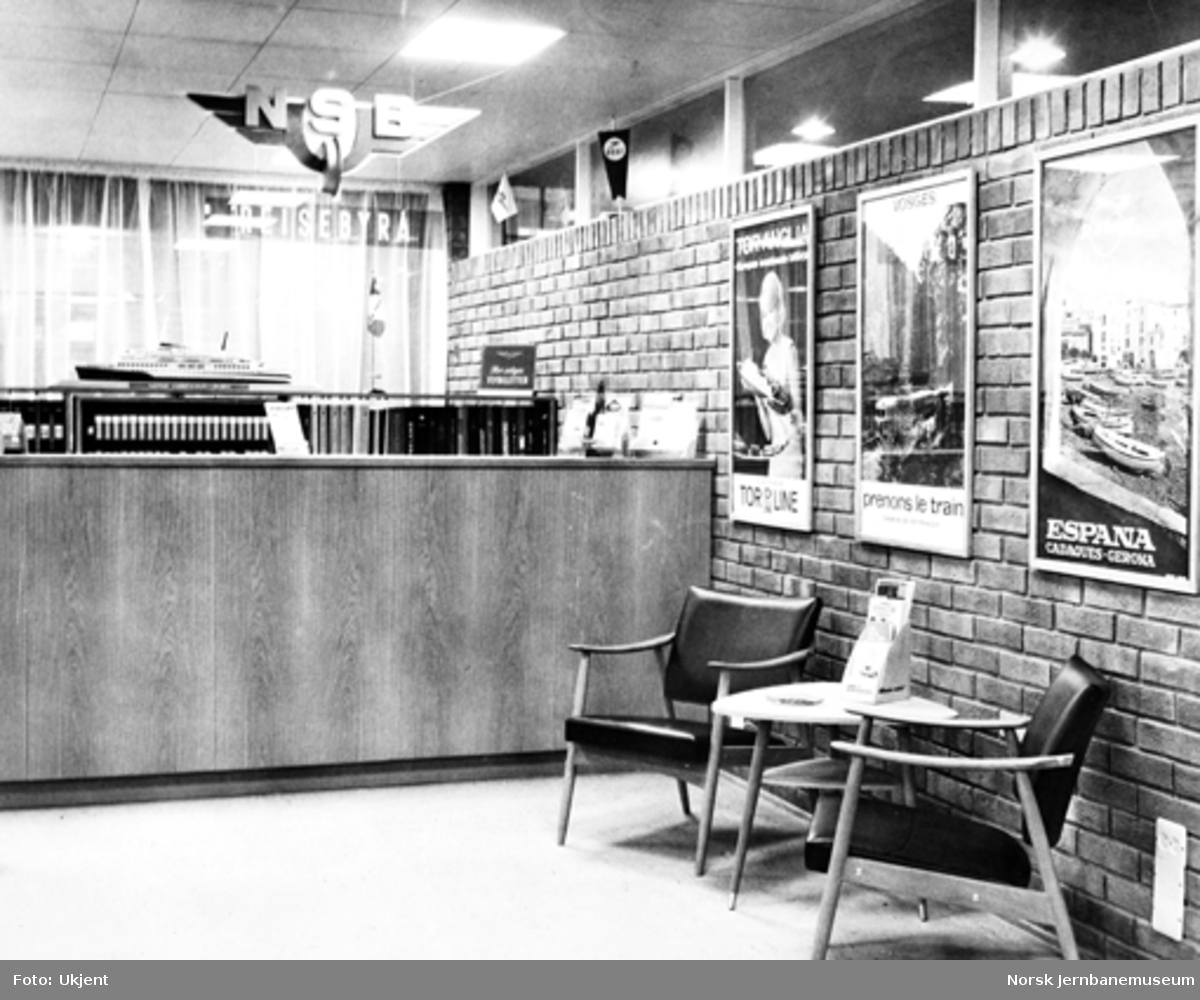 Interiørbilde fra NSBs reisebyrå i Arendal