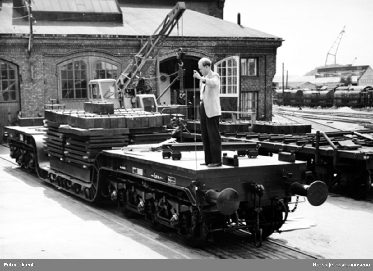 Ny godsvogn litra Tro4 nr. 16505 : prøvebelastning