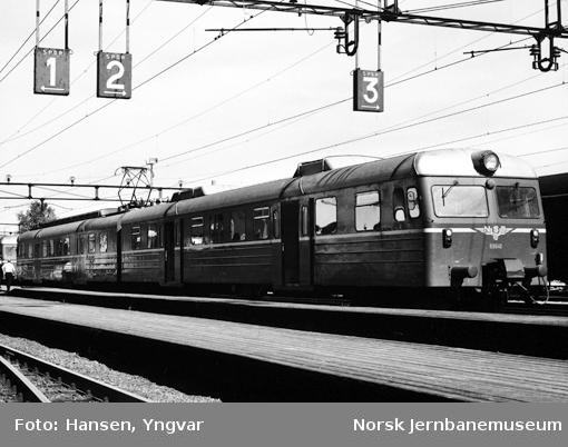 Motorvognsett type 69C på Sarpsborg stasjon
