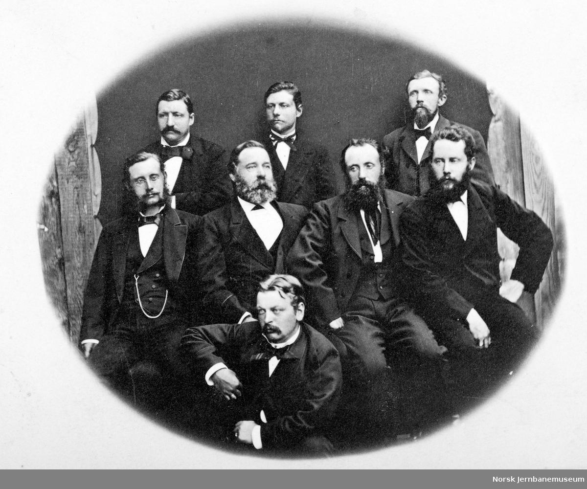 """Gruppebilde """"Bruuns kontrakt ved anlegget av Beren-Vossbanen 1876-1882"""""""