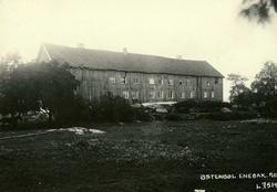 Østenbøl, Enebakk, Nedre Romerike, Akershus. Langt toetasjer