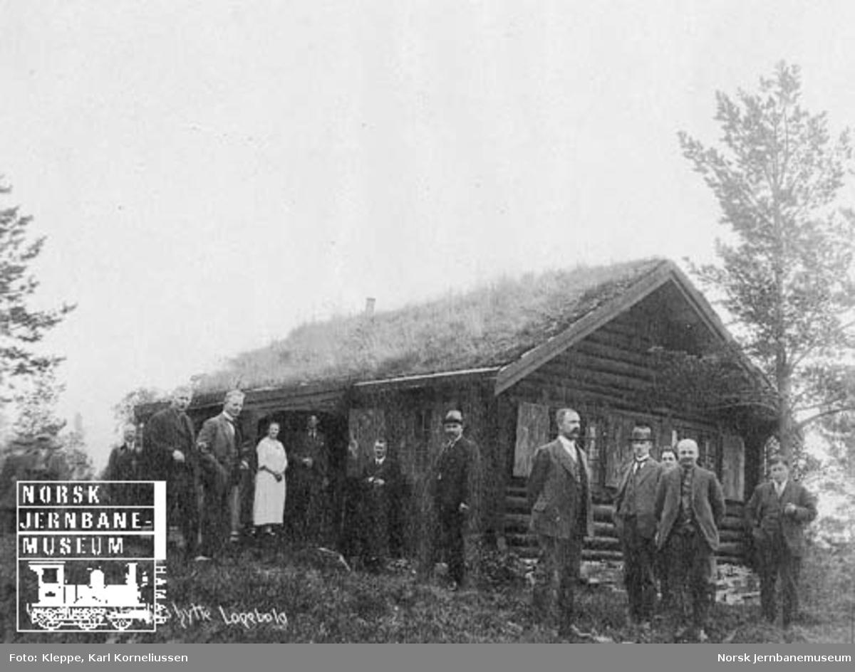 """Befaring av Tromsbanen : Rye Holmboes hytte """"Lopebola"""""""