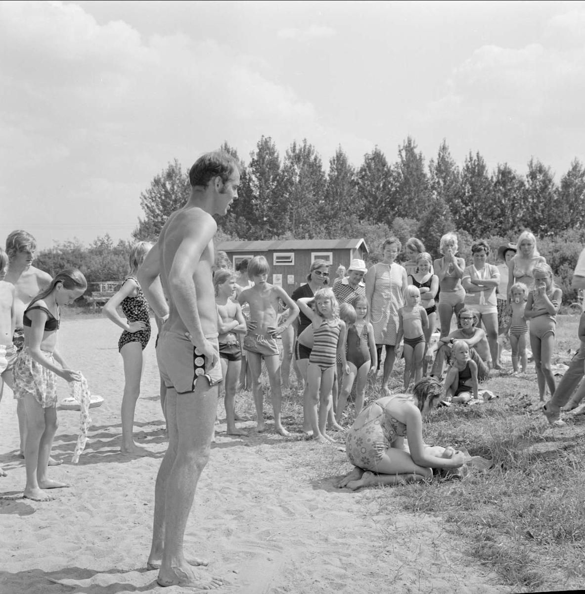 Simskoleavslutning i Mehede, Tierps socken, Uppland juli 1973
