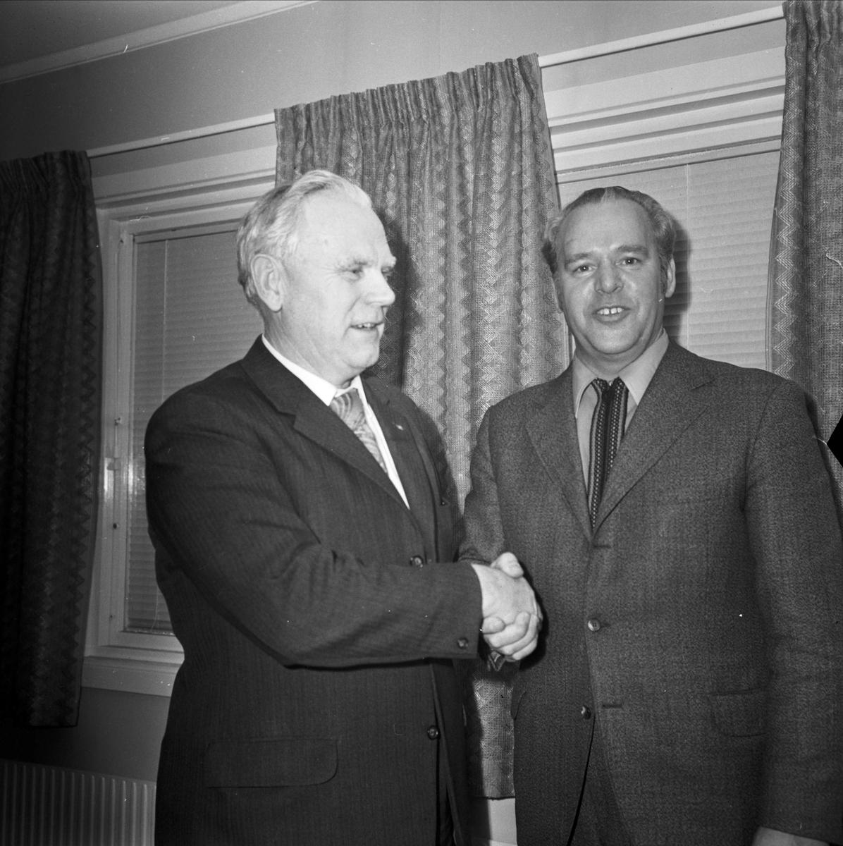 Ny ordförande i Tierps Idrottsförening, Tierp, Uppland november 1973