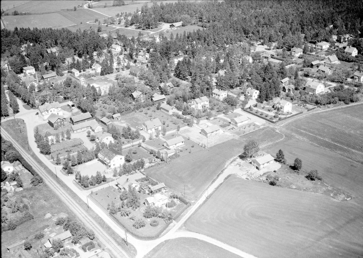 Flygfoto över Fjärdhundra, Simtuna socken, Uppland 1959