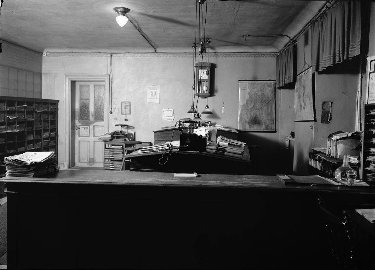 Upsala Nya Tidnings lokaler i Oxenstiernska huset vid Riddartorget, Uppsala, interiör 1920-tal