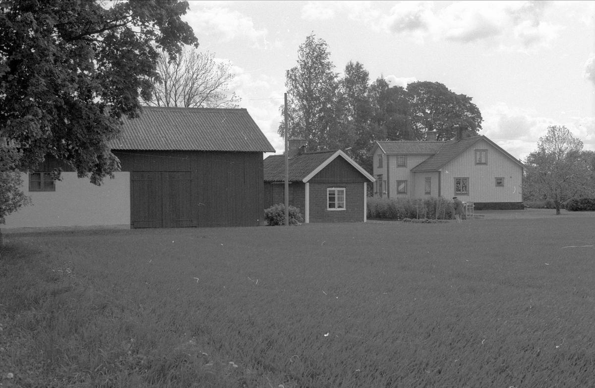 Garage, brygghus och bostadshus, Gesvad, Bälinge socken, Uppland 1983