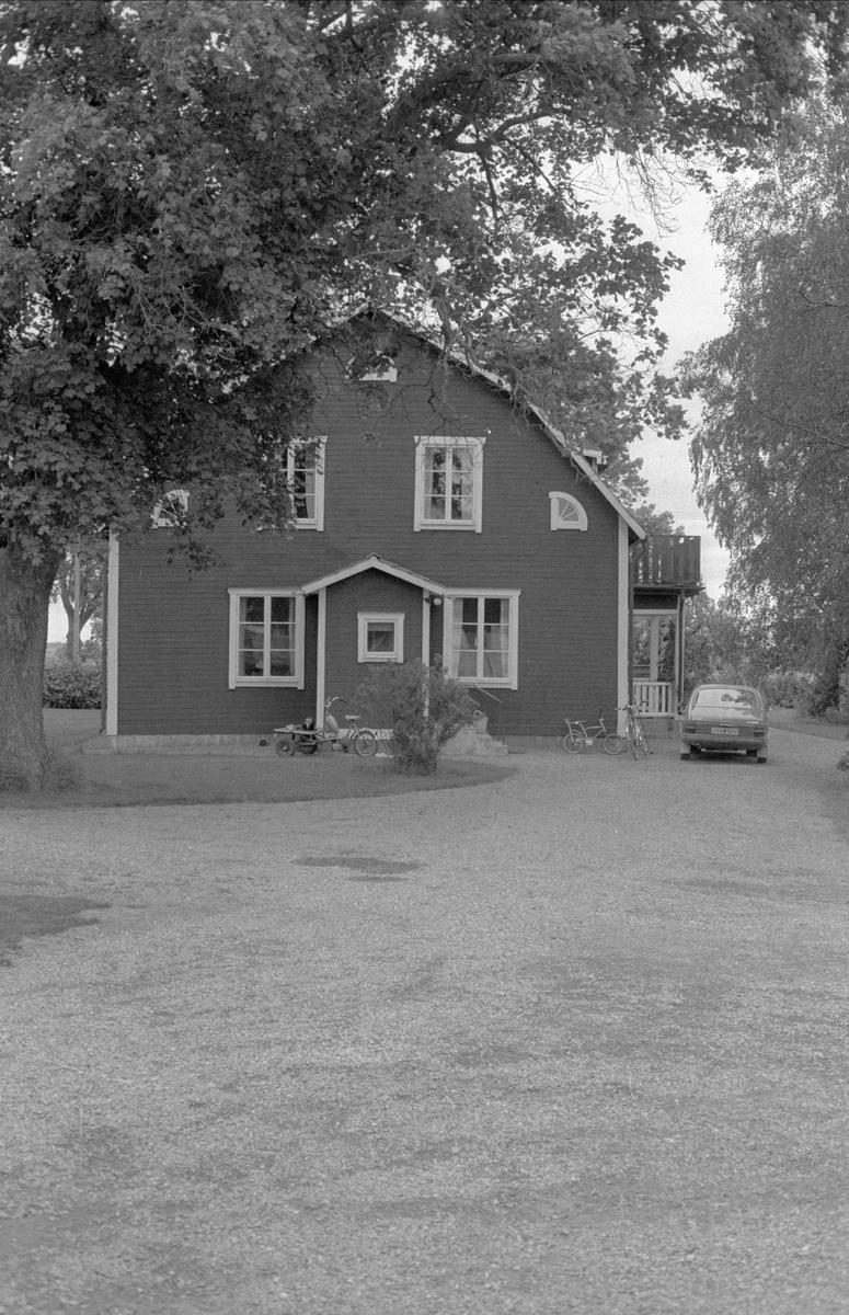 Bostadshus, Målsta 1:1, Bälinge socken, Uppland 1983