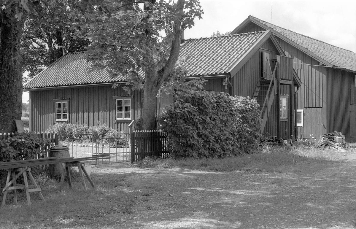 Källare och magasin, Broby 6:2 och 6:1, Börje socken, Uppland 1983