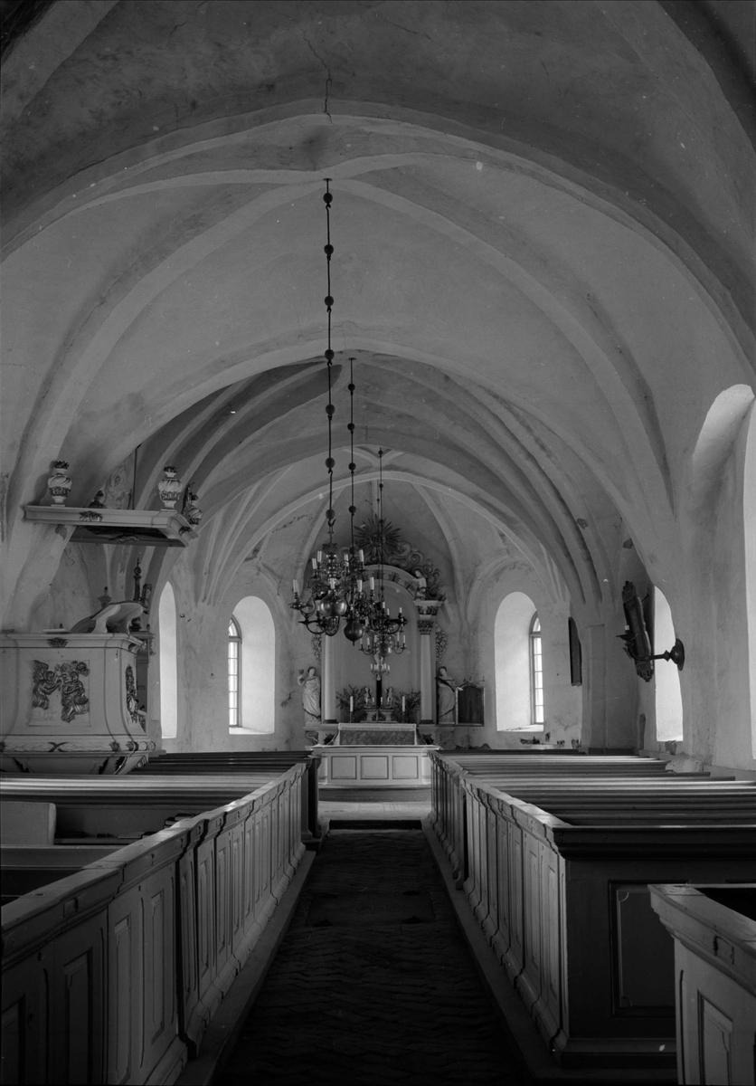 Interiör i Arnö kyrka, Arnöberg, Kungs-Husby socken, Uppland