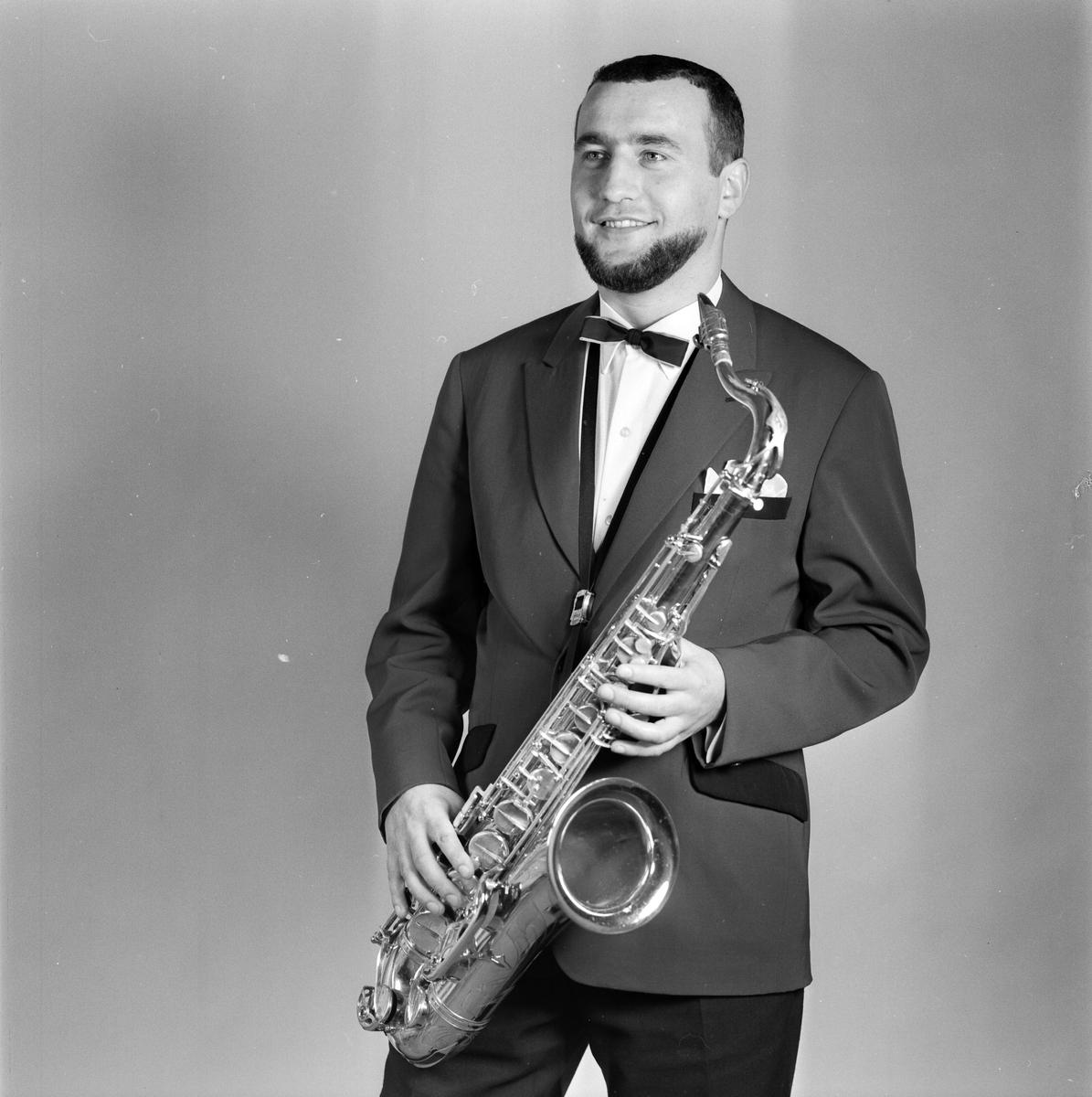 Medlem i den polska poporkestern Kuzniarz, Restaurant Skarholmen, Graneberg, Uppsala augusti 1967