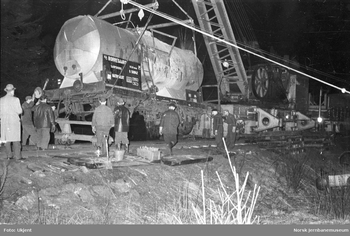Avsporet tankvogn tilhørende Borregaard litra Q nr. 501042 ved Tistedal