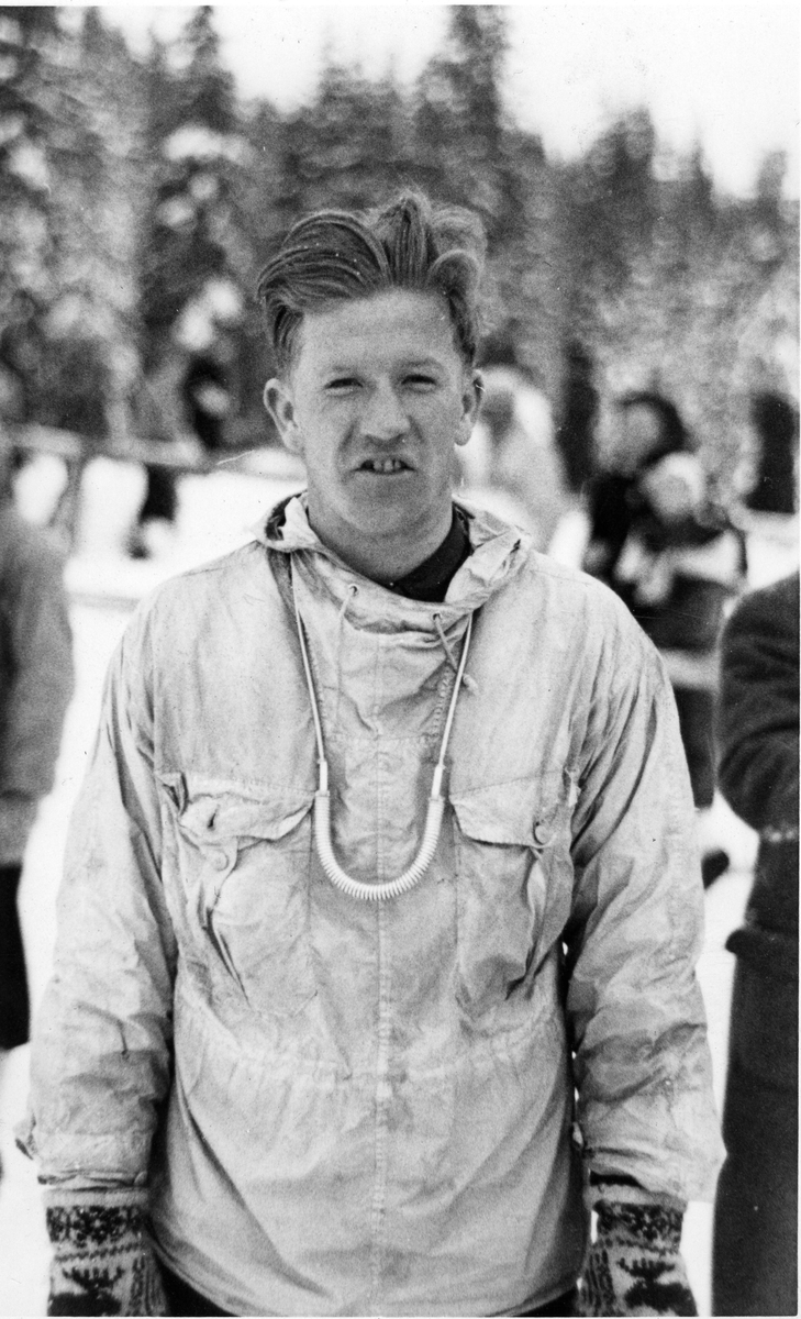 Norwegian athlete Birger Ruud doing downhill at Garmisch 1936