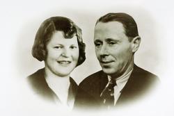 Portrett av ekteparet Tonette og Ingvald Byremo, Grindheim.