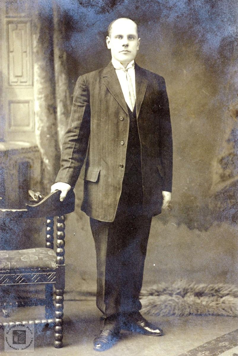 Portrett av Torje Rydlende. Grindheim Audnedal.