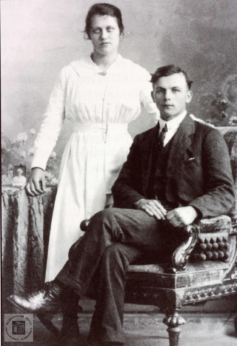Portrett av ekteparet Berthe og Ola Bransdal. Grindheim Audnedal.