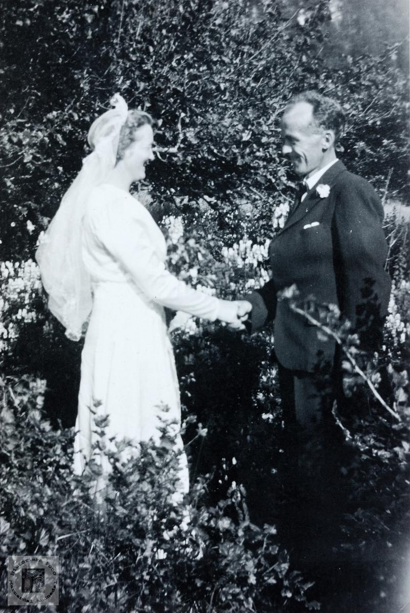 Brudeparet Alma og Lars Butveit. Grindheim.