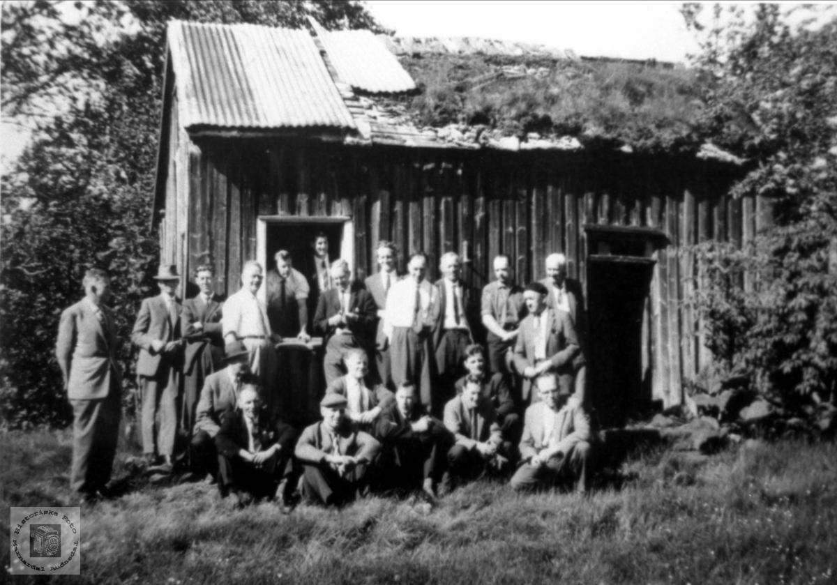 Marnardal kommunestyre på befaring på Røynesdal i Bjelland i 1964.
