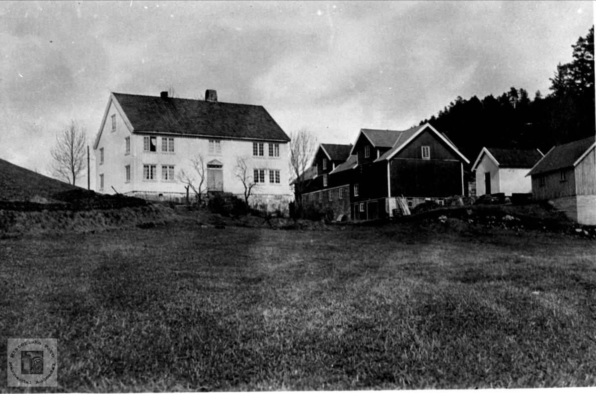 Gård på Skjeggestad i Bjelland.